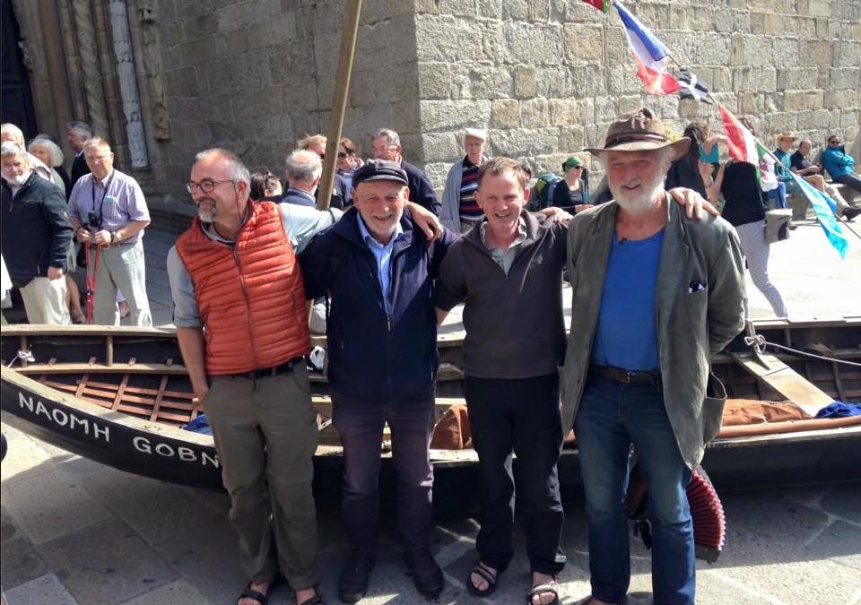 Naomhóg Crew arrive in Santiago !